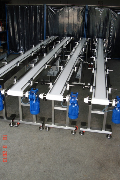 Conveyors  with Stainless Steel Belt